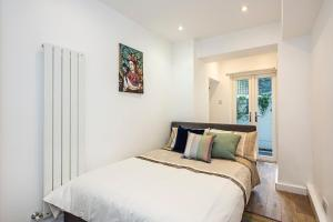 Stylish garden apartment Nr High Street Kensington, Апартаменты/квартиры  Лондон - big - 17