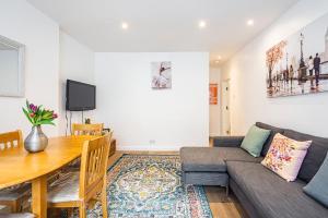 Stylish garden apartment Nr High Street Kensington, Ferienwohnungen  London - big - 44