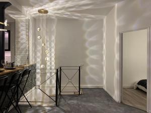 星空主题双层复式公寓Galaxy duplex 3 bedrooms house area Opera and Lafayette