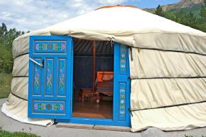 Location gîte, chambres d'hotes Les Steppes du Khaan dans le département Alpes de haute provence 4