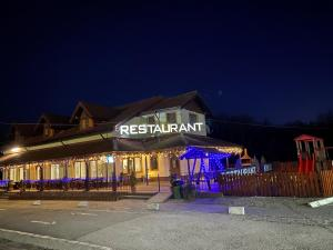 KM 80 Restaurant & Hotel