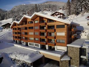 Swiss Alp Resort & Spa Superio..