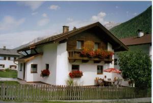 Ferienhaus Aurikel - Hotel - Neustift im Stubaital