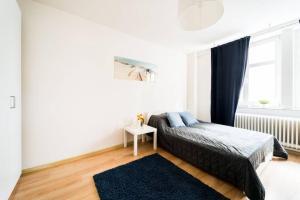 3 Rooms BIG Apartment 150 m Town Hall Nice Design