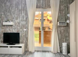 Azur Apartment Sirmione - AbcAlberghi.com