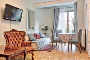 Tyzenhauz Apartments