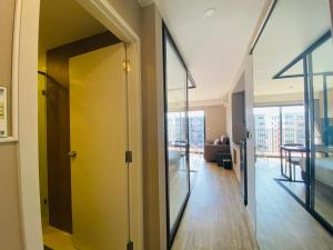 Blossom condo at Sathorn Studio Twin bed room nearby the Surasak BTS