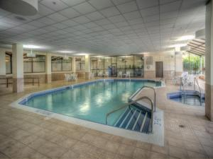 Embassy Suites by Hilton Milwaukee Brookfield, Hotels  Brookfield - big - 28