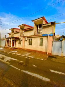 Esentai Hostel - Accommodation - Almaty