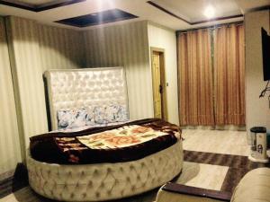 Bhurban Pakeeza Inn Hotel and ..