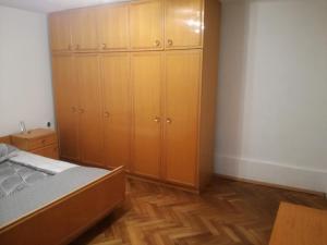 Zora Apartmant