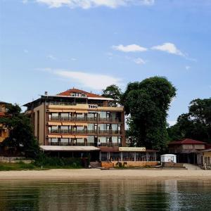 Family Hotel Teos