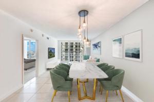 Luxury Living In The Heart Of Miami City & Bayview