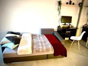 Luxury Studio with AirConditioning in Krakow 5 min walk to Zakrzowek