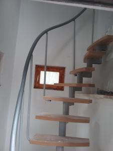 Szczytno Bardzo skromny tani nocleg strome schody Mazury
