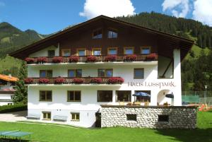 Haus Lusspark - Hotel - Lermoos