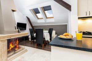 Apartments Niepodległości 739 by Renters