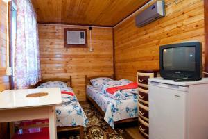 Guest House Gostevie Domiki, Penzióny  Gorjačij Ključ - big - 42