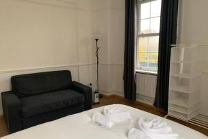Amazing apartment 30 mins from the city centre