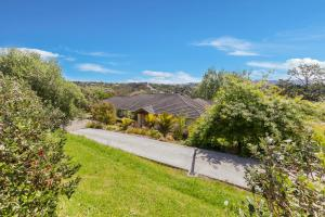 Sandspit Ridge with Wifi - Sandspit Holiday Home