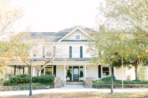 The Groome Inn - Accommodation - Greensboro