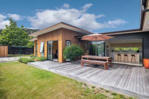 Sierra Oasis - Modern Wanaka Holiday Home - Hotel - Wanaka