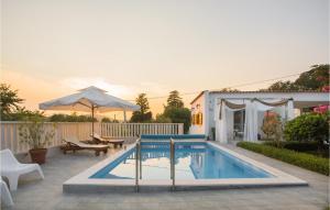 Stunning home in Dubrava kod Sibenika w/ Outdoor swimming pool, WiFi and 4 Bedrooms