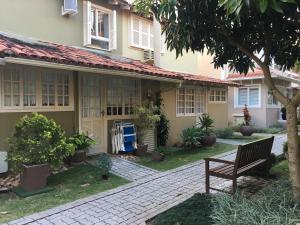 Apartamento 28 RISC - Na Beira da Praia em Jurerê, 8 pessoas