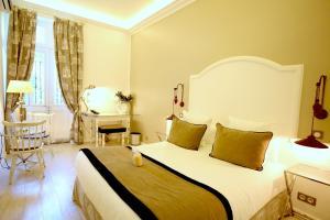 Location gîte, chambres d'hotes Hotel Royal Bon Repos dans le département Var 83