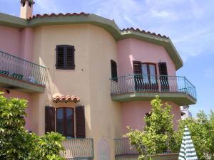 Orosei-Sardegna-Appartamento 5 posti letto con giardino