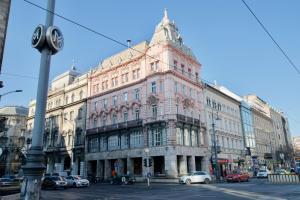 Premium Apartments by Hi5 Astoria square