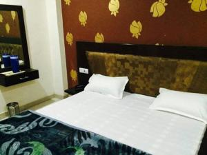 hotel pearl grand photos