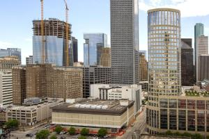 Downtown Houston Furnished Apartment