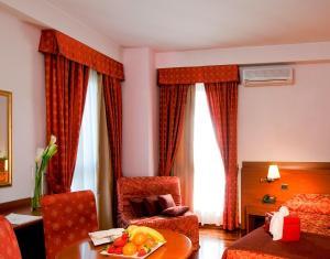 Excel Hotel Roma Ciampino, Szállodák  Marino - big - 26