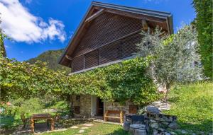 Beautiful home in Tolmin w/ Jacuzzi, WiFi and 1 Bedrooms