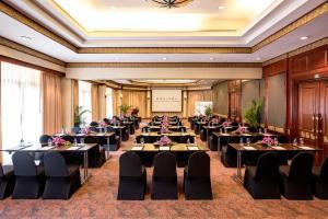 Sofitel Angkor Phokeethra Golf and Spa Resort (8 of 125)