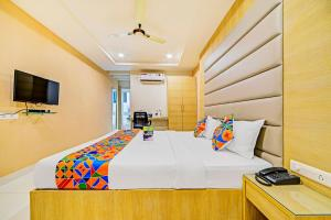 FabHotel Veeraj Suites photos