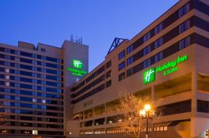 Holiday Inn & Suites Duluth-Downtown, an IHG Hotel