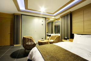 Suwon Orsay Business Hotel, Hotely  Suwon - big - 107