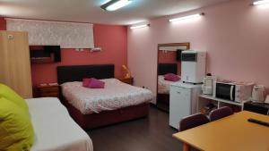 Habitación independiente con baño privado, apartamento