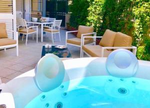 CASA MANDO with Terrace and Jacuzzi - AbcAlberghi.com