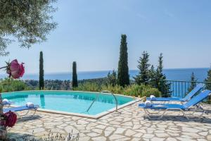 obrázek - Agios Nikitas Villa Sleeps 6 with Pool and Air Con