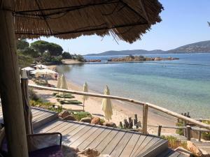 Location gîte, chambres d'hotes Grand Hôtel De Cala Rossa & Spa Nucca dans le département Corse du Sud 2a