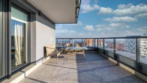 BillBerry Apartments 16th Floor