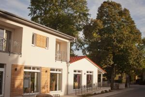 Cafe Hehrlich - Cafe, Pension & mehr - Henschleben