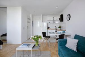 Contemporary Apartment • Diamond Apartments