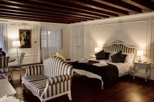 Cavour44 - Palazzo Canossa - AbcAlberghi.com