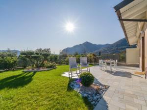 Villa Del Sole with huge garden and lake Iseo view