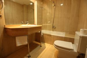 Double or Twin Room Hotel Anabel Baza