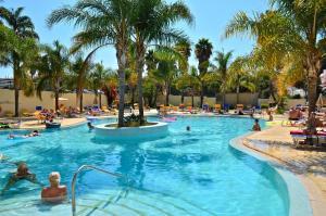 Hotel Mirachoro Praia, Szállodák  Carvoeiro - big - 17
